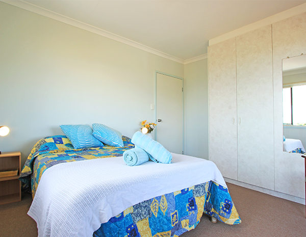 Queen-Bedroom-in-unit-600x465