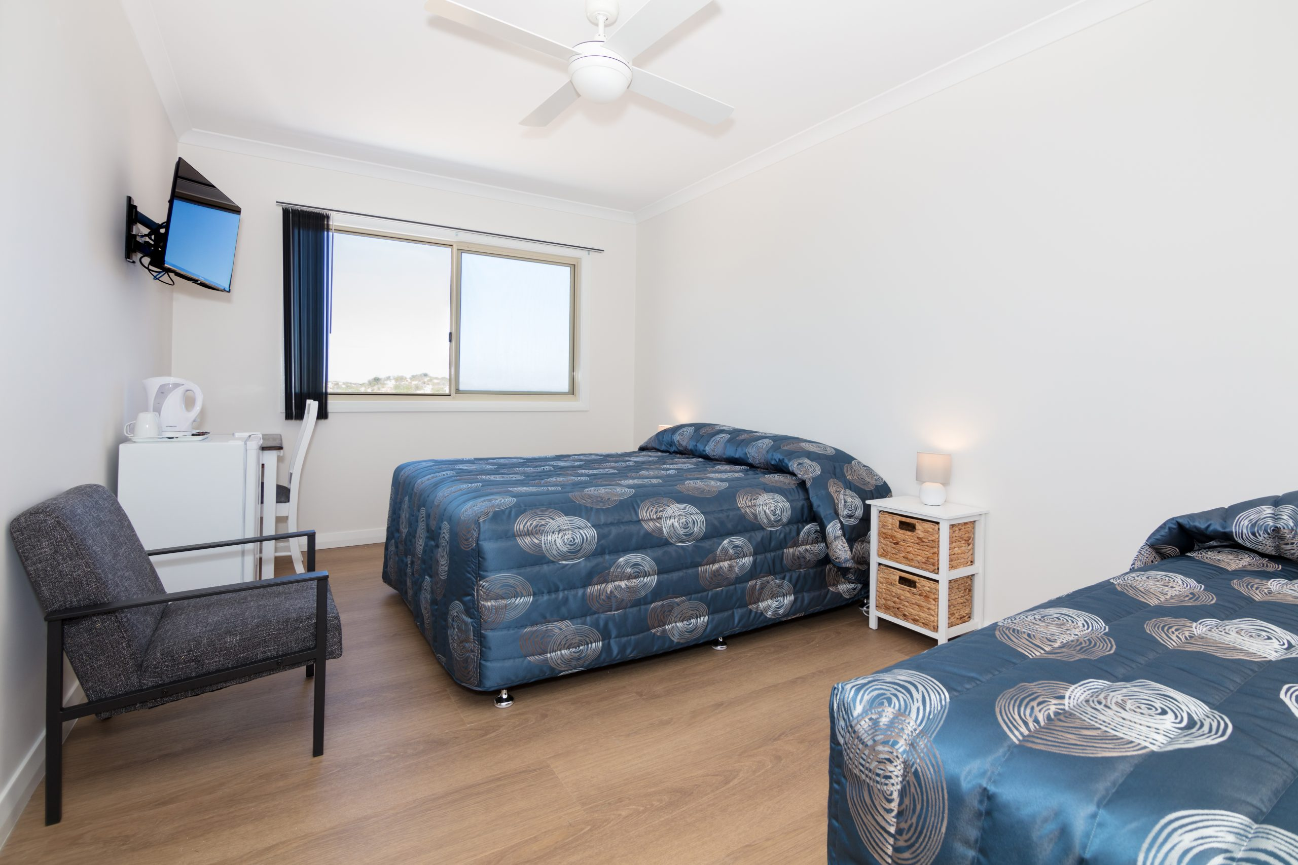 Family double with single bed